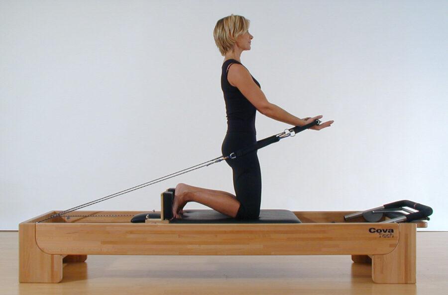 Pilates: tonifica le braccia con gli Arm circles sul Reformer