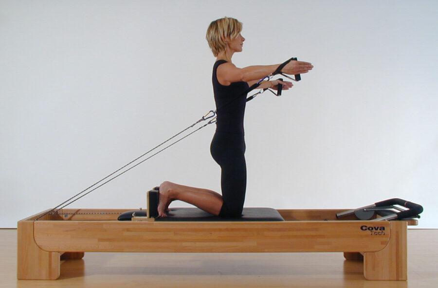 Pilates, un Abbraccio sul Reformer per tonificare i pettorali e tutto l'upper body