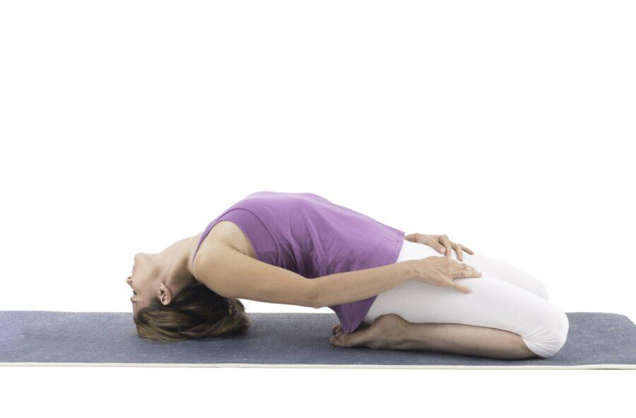 Yoga: prova l'asana del Fulmine rovesciato come antiage