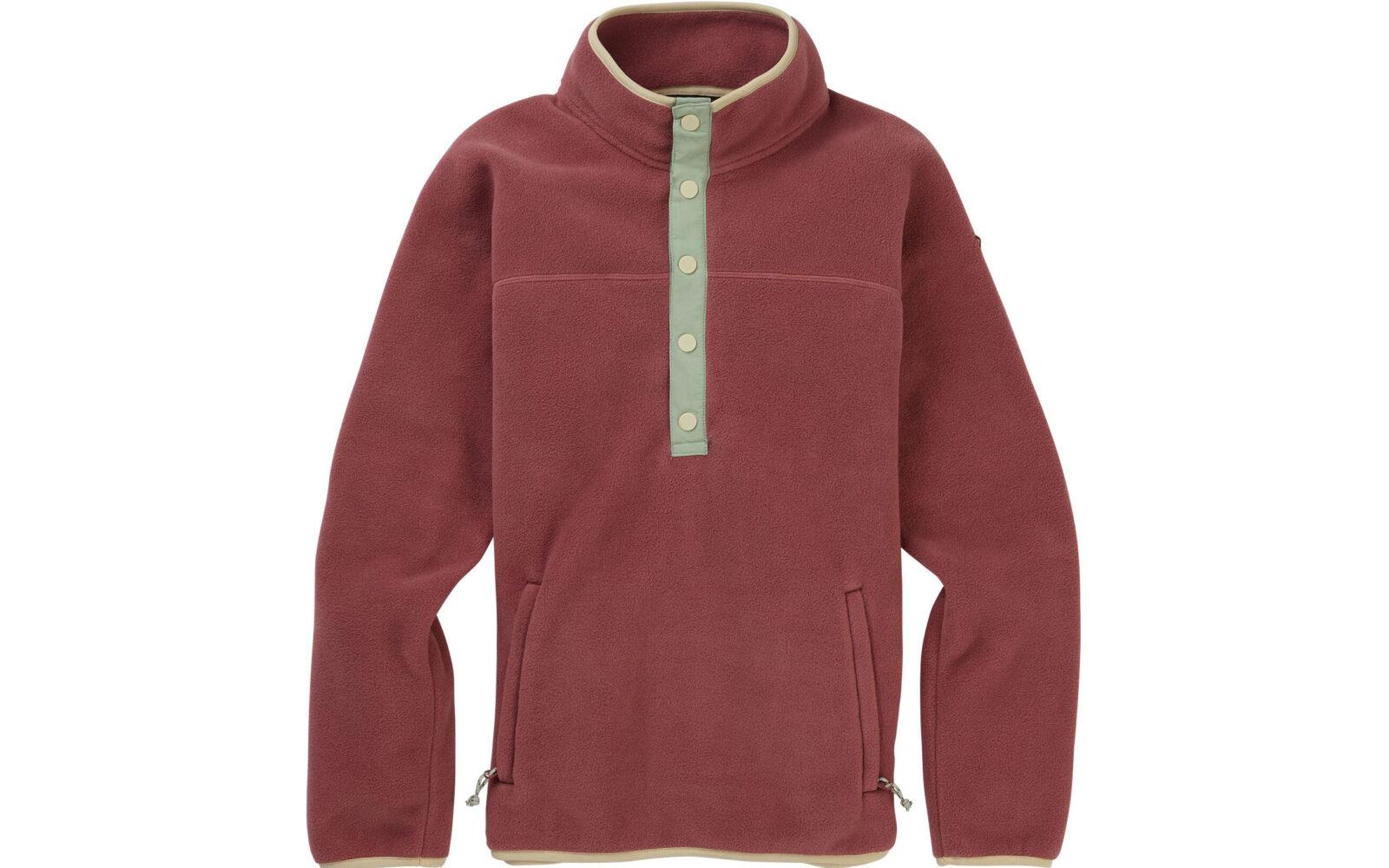 Burton W's Hearth Fleece Pullover, un fleece in 100% poliestere riciclato da indossare sotto alla giacca da snowboard (ma non solo). L'azienda punta all'ecosostenibilità, cioè alla durata nel tempo, e ripara in 48h i capi che si rompono o si danneggiano. Euro 100.