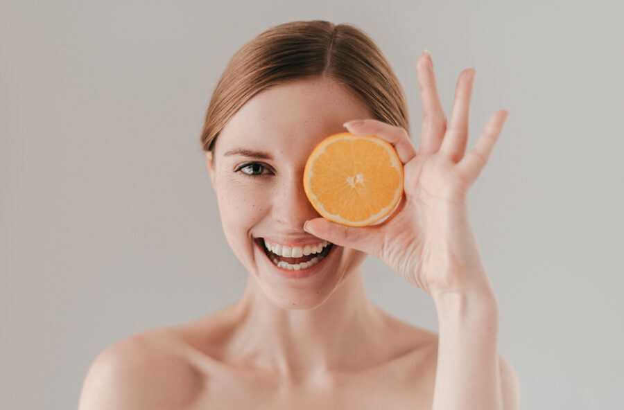 Vitamina C in & out: antiage naturale
