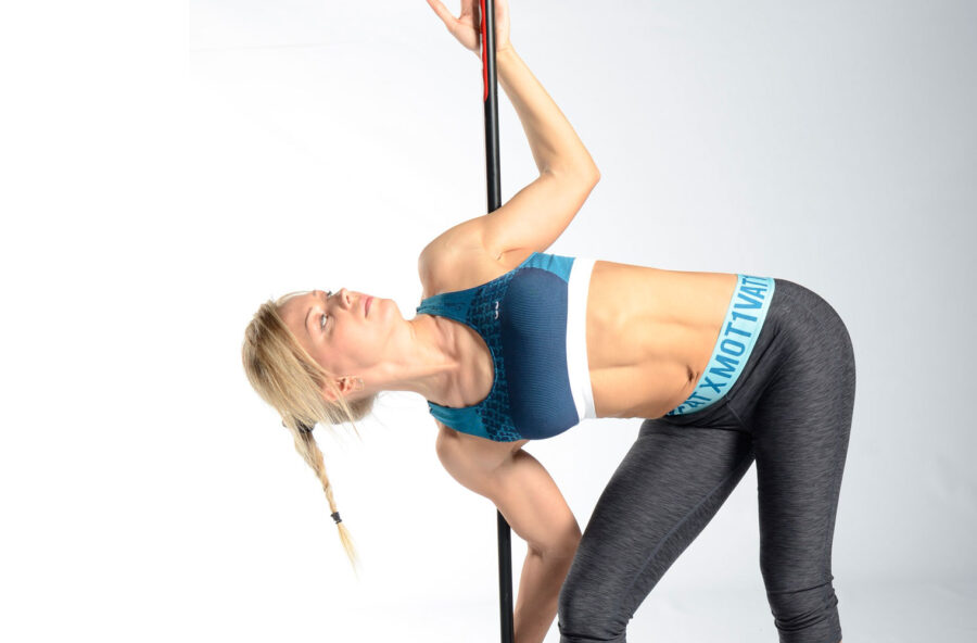 Schiena in forma con lo stretch pole