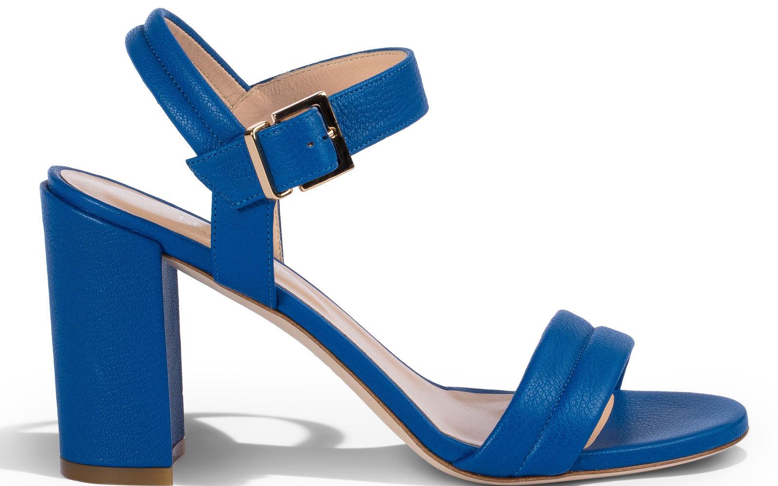 Loriblu-Sandalo-in-nappa-blu-con-cinturino-alla-caviglia-e-block-heel-335-euro