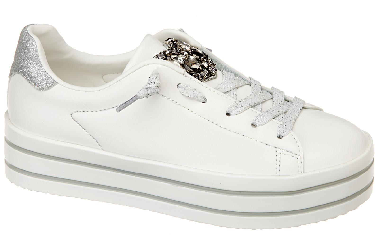 Sweet-years-Sneakers simil pelle con decorazione glitter 49,90 euro