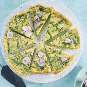 Ricette di Pasqua: omelette con asparagi e ravanelli